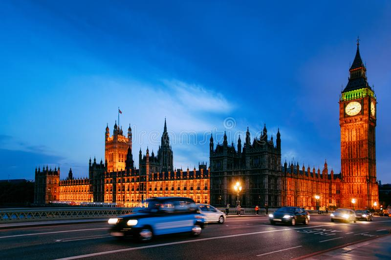 Busy road at Big Ben in Westminster Palace in London royalty free stock photos