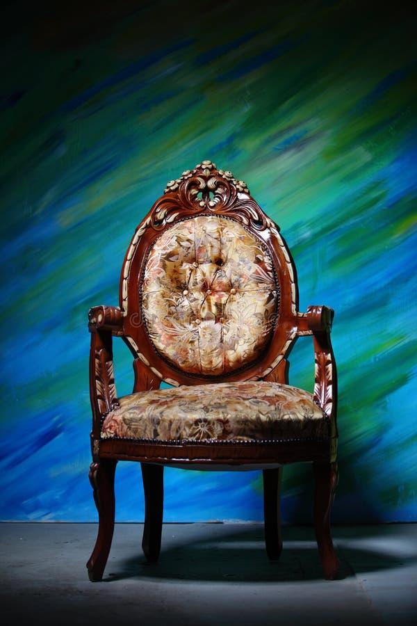 Butaca tallada antigua imágenes de archivo libres de regalías