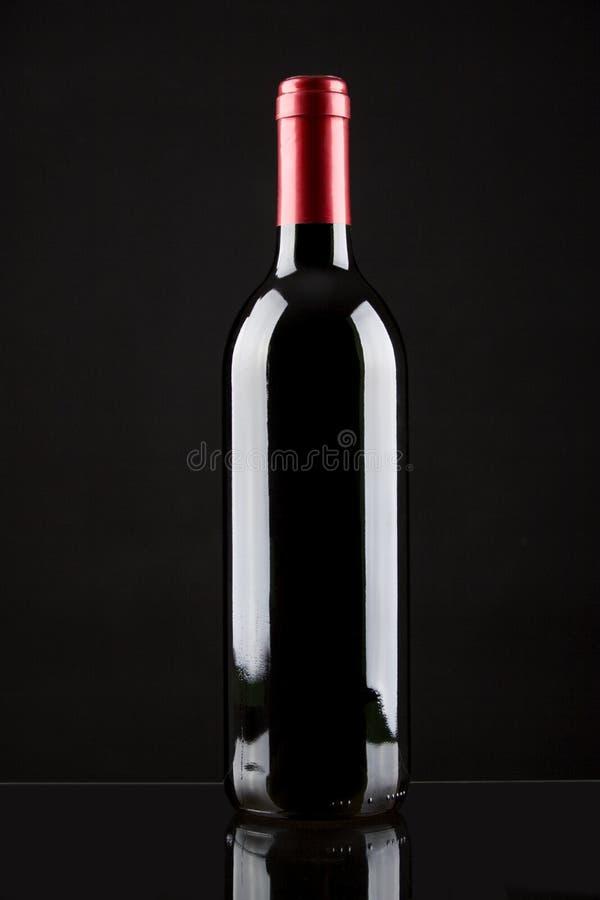 butelkę czerwonego wina obraz royalty free