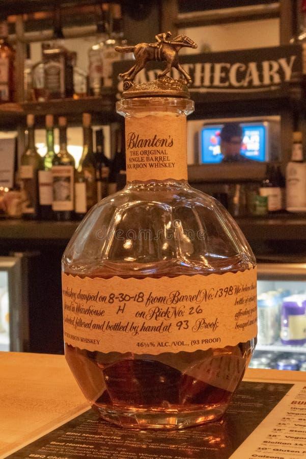 Butelka Blanton bourbonu whisky fotografia stock