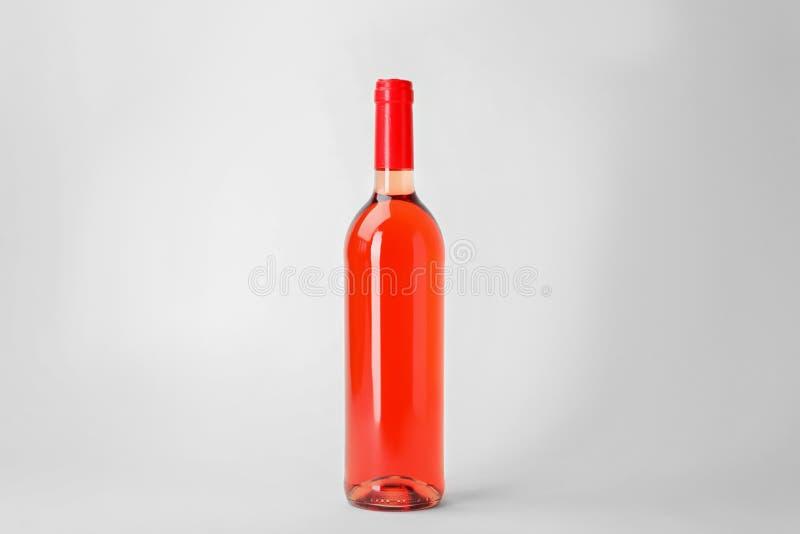 Butelka drogi różany wino fotografia stock