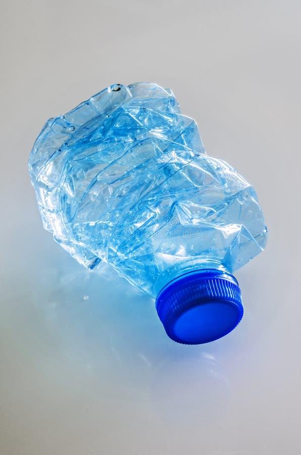 butelka roztrzaskująca woda zdjęcie stock