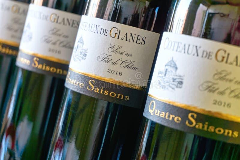 Butelki Coteaux De Glanes wino obraz stock