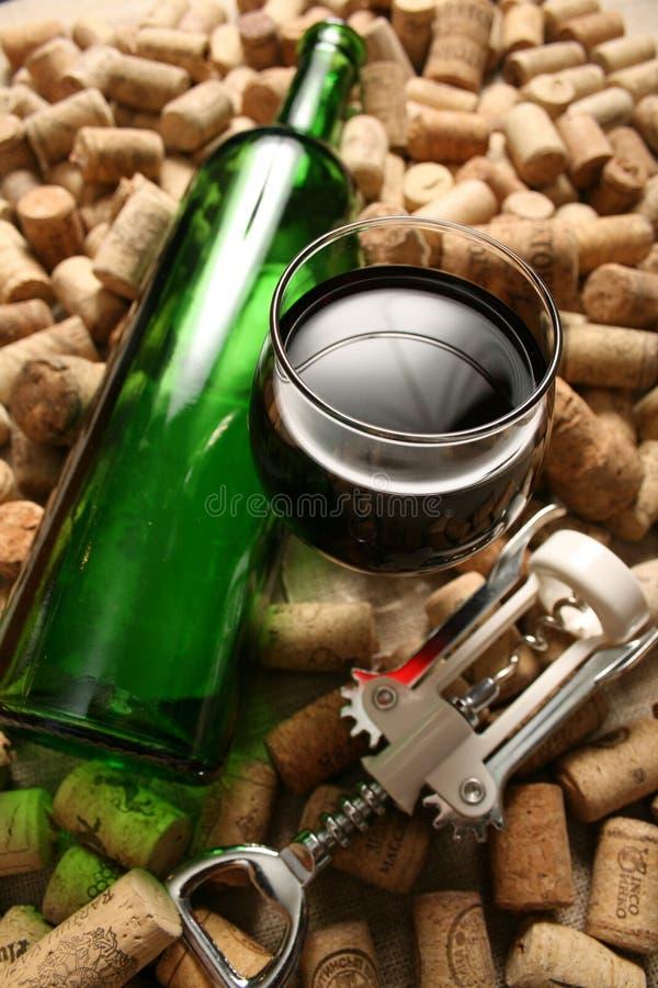 butelki czerwone wino pusty szklany zdjęcie royalty free