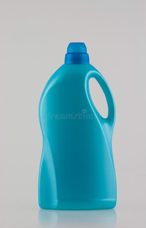 Download Butelki detergentu pralnia obraz stock. Obraz złożonej z conditioner - 13837363