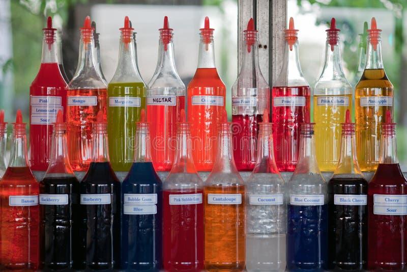 butelki doprawiali stubarwnego syrop fotografia royalty free