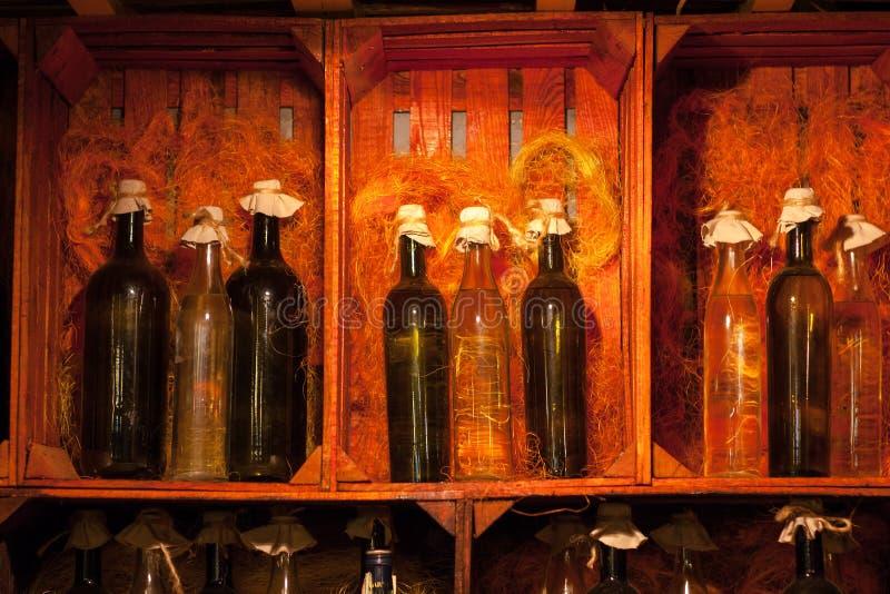 Butelki wino Profesjonalnie Dekorujący fotografia stock