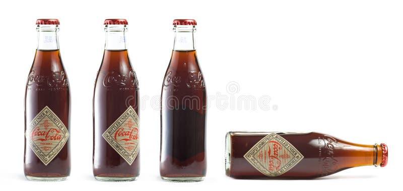 butelkuje koka-kola rocznika zdjęcia royalty free