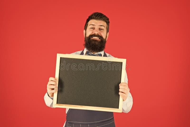 Butiksförsäljning Svart fridagsrabatt Reklambegrepp Glad tid Kaféreklam Man som hamnat i hamster på plattan royaltyfri foto