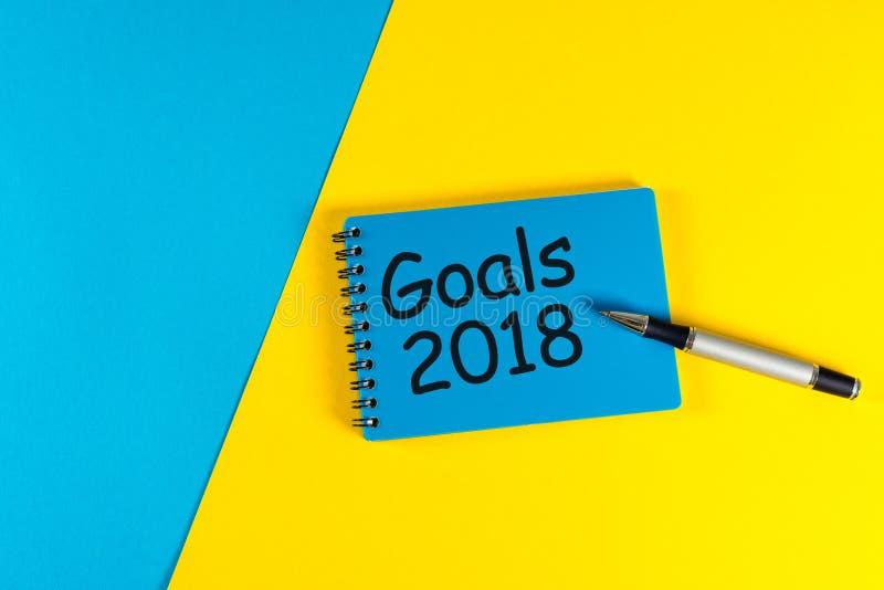 Buts 2018 But de la vie et d'affaires, plan et concept de résolutions pour le concept de nouvelle année Texte sur la note au bleu photos libres de droits