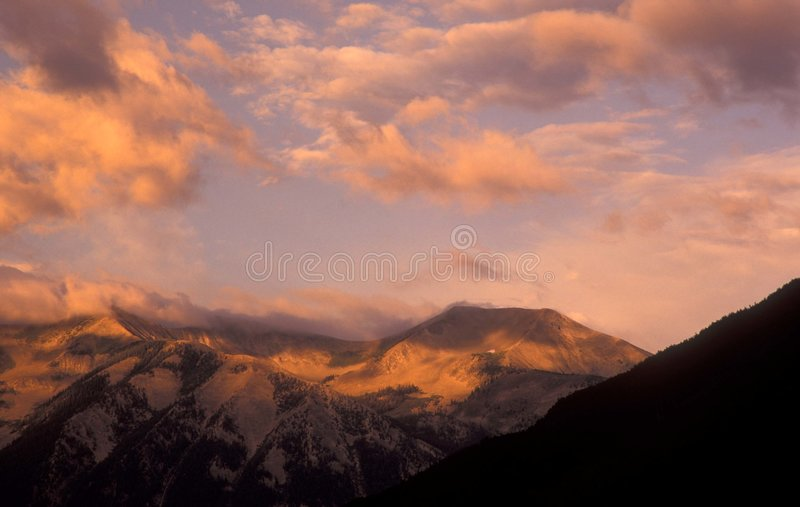 Butte Czubaty Nadmiernie Wschód Słońca Fotografia Stock