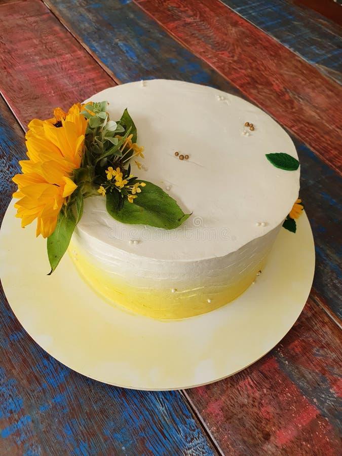 Buttercream cake. Sunflower stock photography