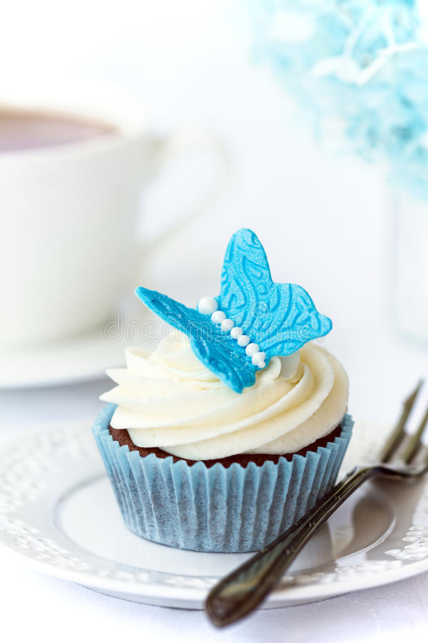 Download Butterfly cupcake stock image. Image of gumpaste, blue - 20877795