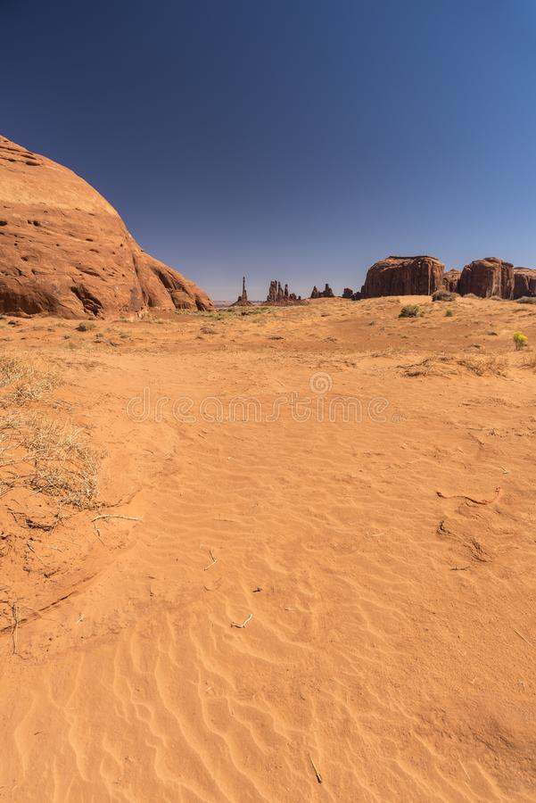 Buttes sandpapprar och skurar i monumentdalen Arizona arkivfoto