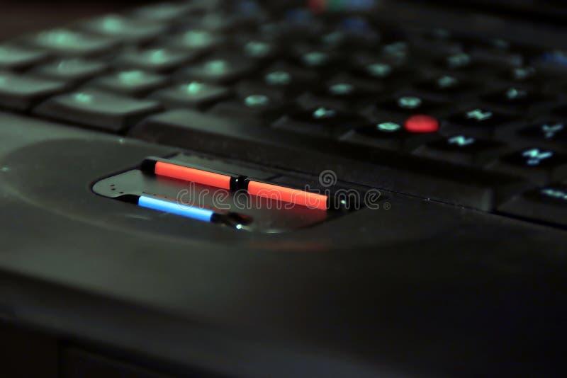 buttons bärbar dator fotografering för bildbyråer