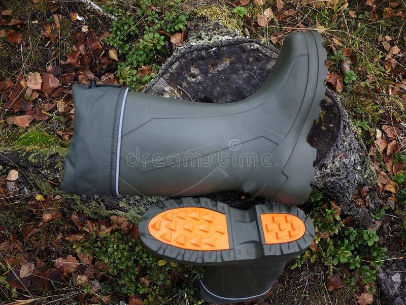 Buty dla myśliwego i rybaka Stosowny dla tropić i łowić, dla plenerowej podróży zatrzymuje obraz royalty free