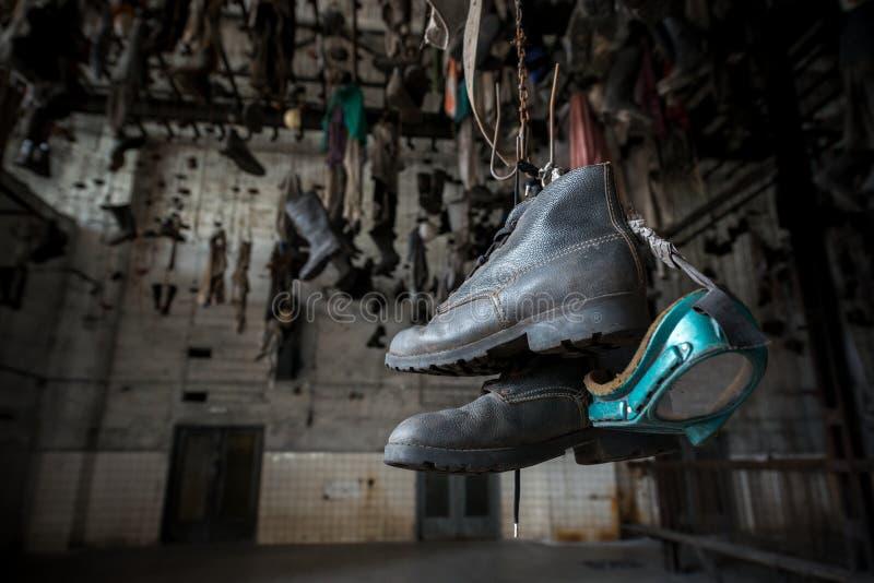 Buty w łańcuszkowej przebieralni w Landek parku zdjęcia royalty free