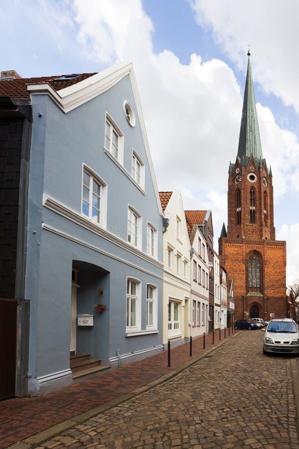 Buxtehude, iglesia y fachadas históricas fotografía de archivo