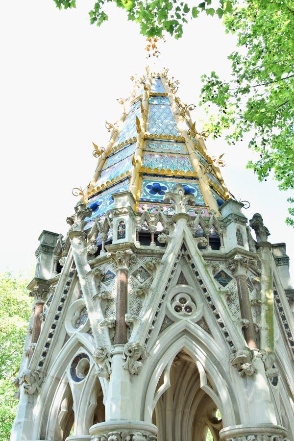 Buxton Memorial Fountain, en minnesmärke och dricka springbrunn i Victoria Tower Gardens, Millbank, Westminster, London UK fira fotografering för bildbyråer