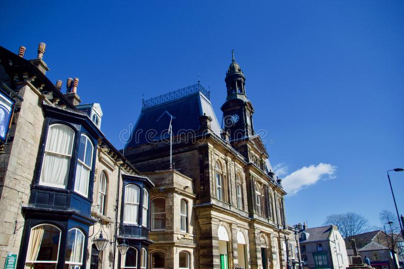 Buxton Town Hall en gebouwen stock foto