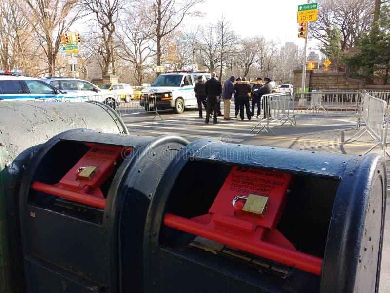 Buzón bloqueado, buzón de correos, NYC, NY, los E.E.U.U. imagenes de archivo