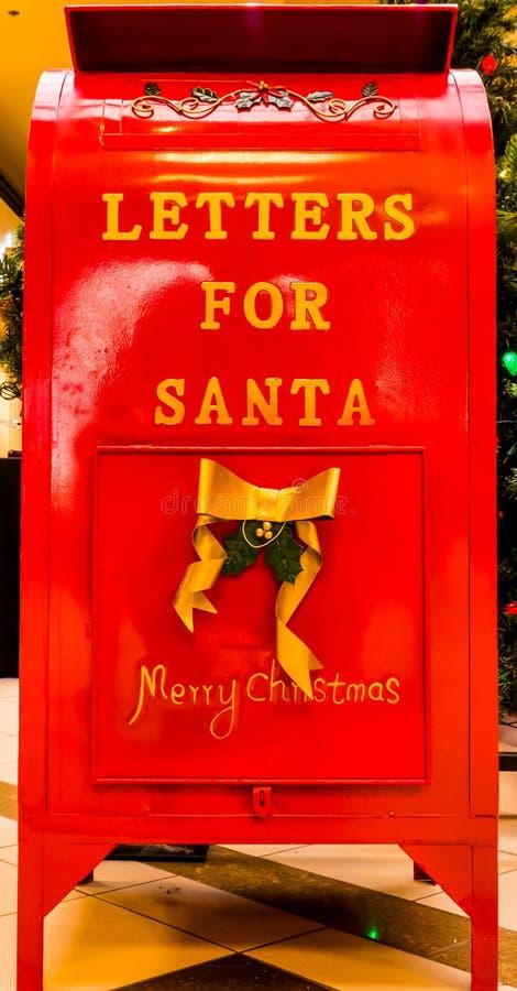 Buzón mágico del ` s de Papá Noel para los niños fotografía de archivo libre de regalías