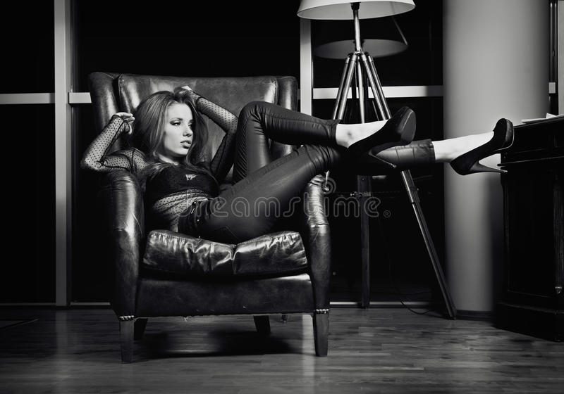 Download BW Perfect Lady Royalty Free Stock Photography - Image: 22464707