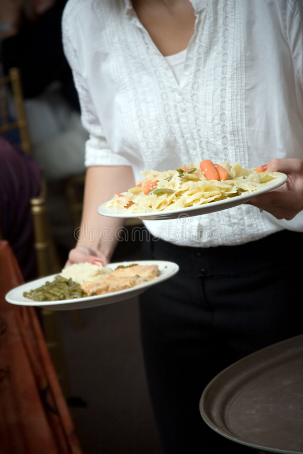 być kelnerem food ślubu obraz stock