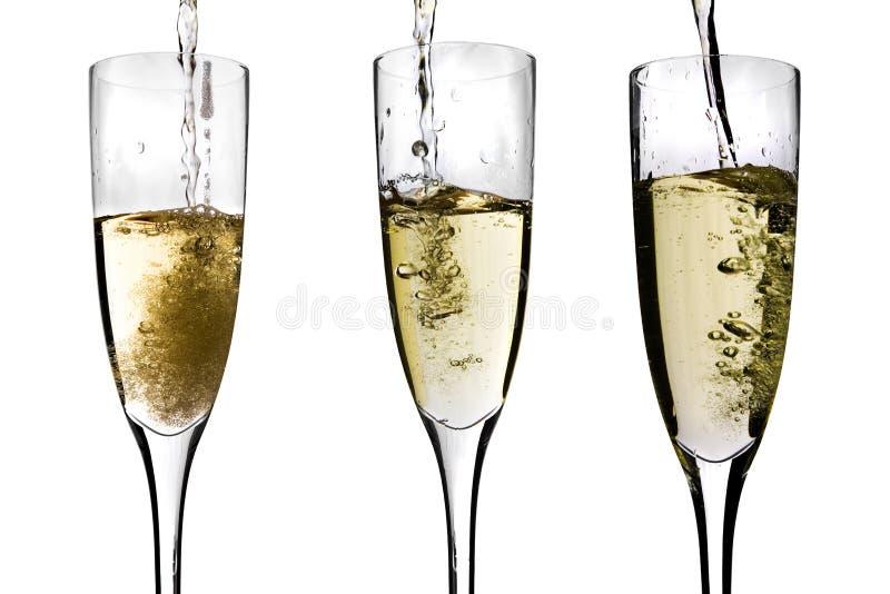 być szampanem nalewającym obrazy royalty free