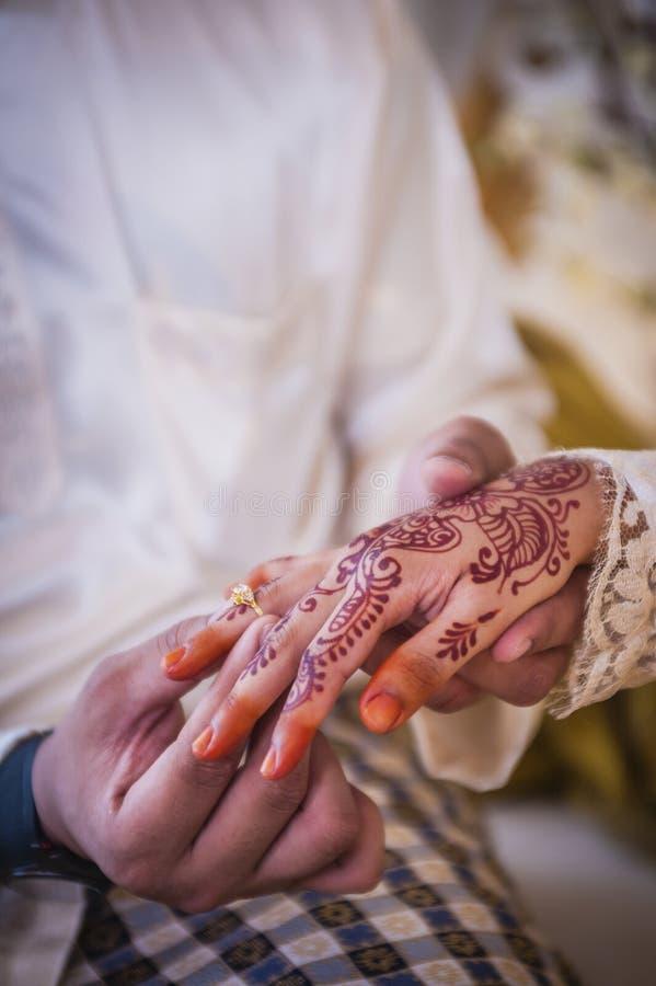 Być ubranym obrączkę ślubną obraz royalty free