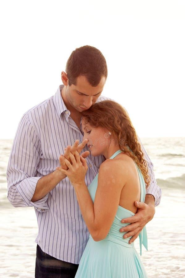 być zakończeniem trzymał mężczyzna jej kobiety zdjęcie stock