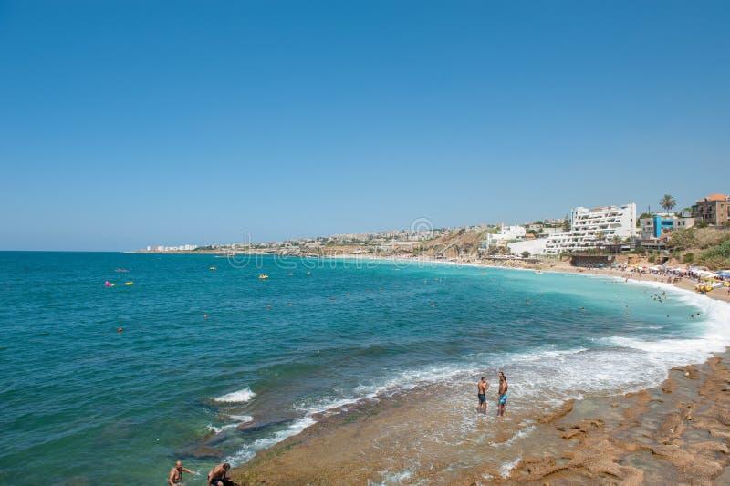 Byblos är en medelhavs- stad i monteringen Libanon arkivfoton
