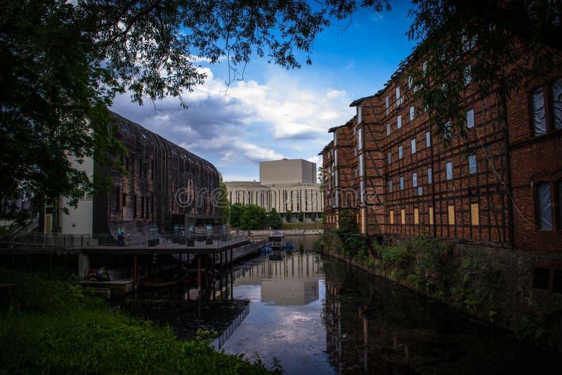 Bydgoszcz - panorama escuro da cidade imagens de stock