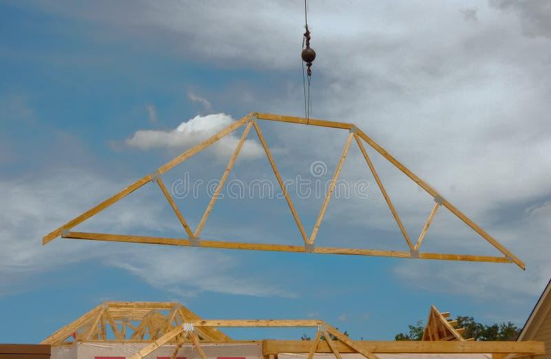 Byggande av ett tak royaltyfri fotografi
