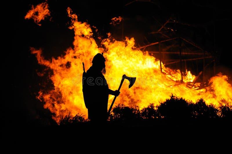 byggande brännande viking royaltyfri bild