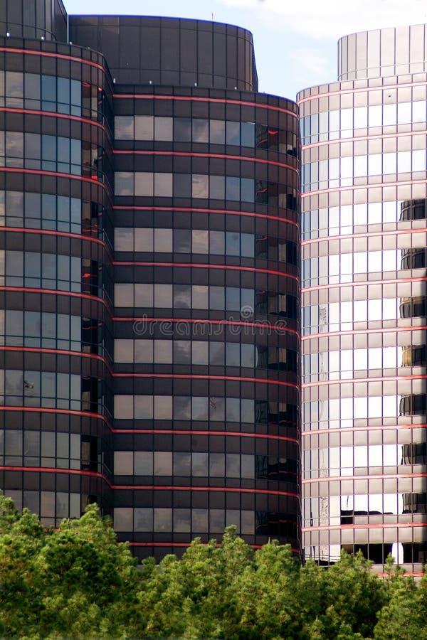 byggande företags i stadens centrum kontor arkivfoton