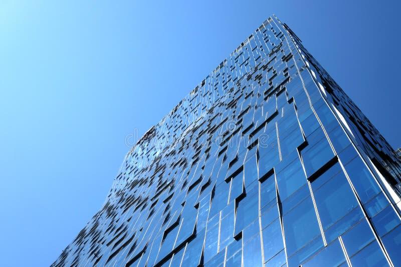 byggande högt kontor arkivfoto