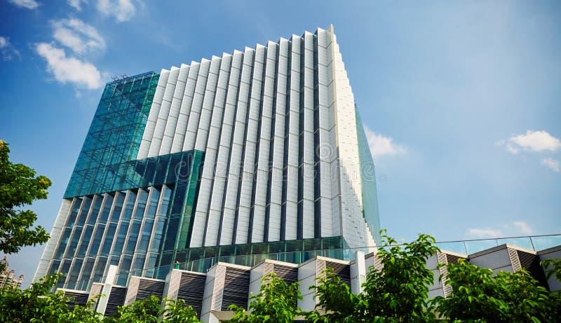 byggande kommersiellt modernt kontor fotografering för bildbyråer