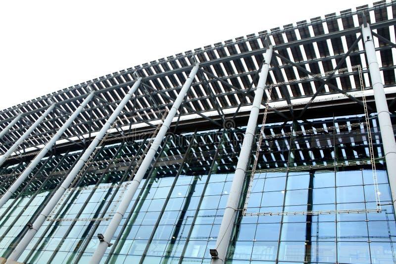byggande moderna stålstrukturer royaltyfri bild