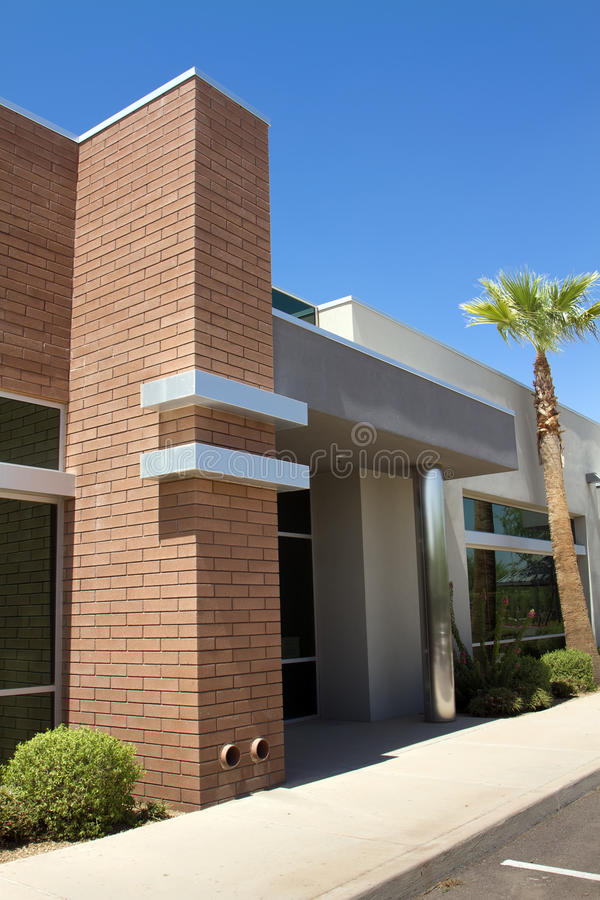byggande modernt kontor för företags ingång royaltyfria foton