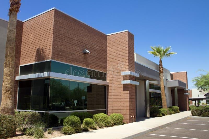 byggande modernt kontor för företags ingång fotografering för bildbyråer
