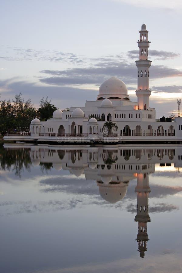 Download Byggnad arkivfoto. Bild av bygger, malaysia, moské, askfat - 978956