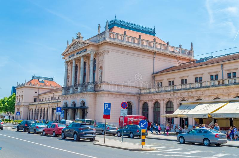 Byggnad av den centrala järnvägsstationen i Zagreb, Kroatien fotografering för bildbyråer