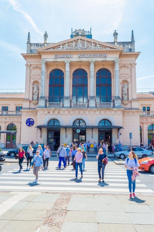 Byggnad av den centrala järnvägsstationen i Zagreb, Kroatien royaltyfri foto