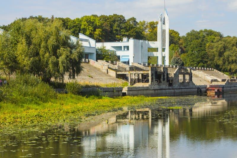 Byggnad av flodstationen i Chernihiv ukraine arkivfoto