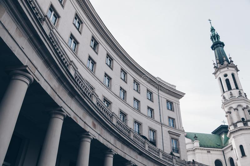 Byggnad av Warszawa - Polen royaltyfria foton