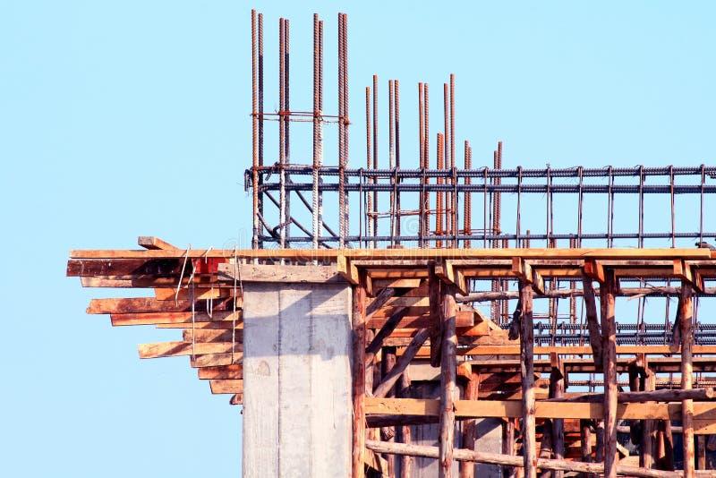 Byggnad för konstruktionsplats, för arkitekturprojekt för konstruktion hem- område, huskonstruktionsbild för bakgrund, cementträ arkivfoto