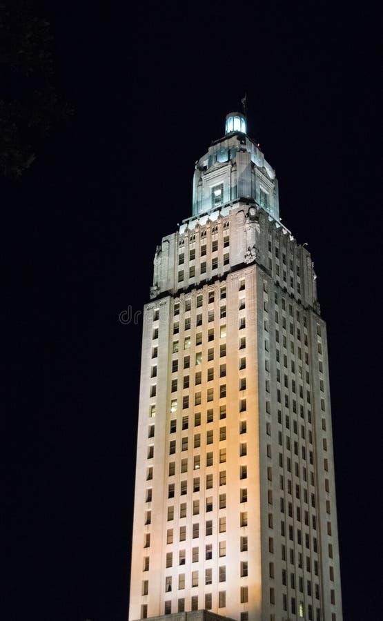 Byggnad för Louisiana statKapitolium på natten royaltyfria foton