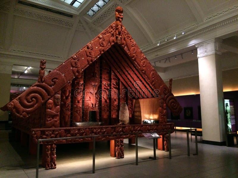 Byggnad för maorimatlagring i det Auckland museet royaltyfri foto