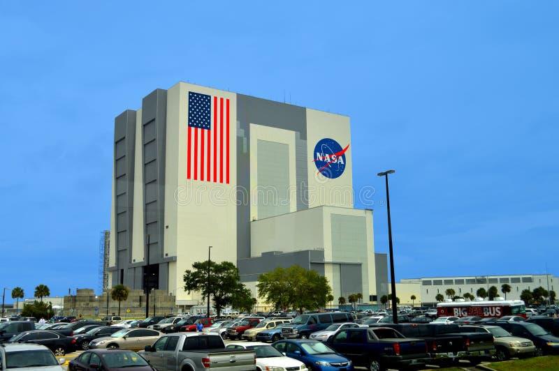 Byggnad för NASAmedelenhet på Kennedy Space Center arkivbilder